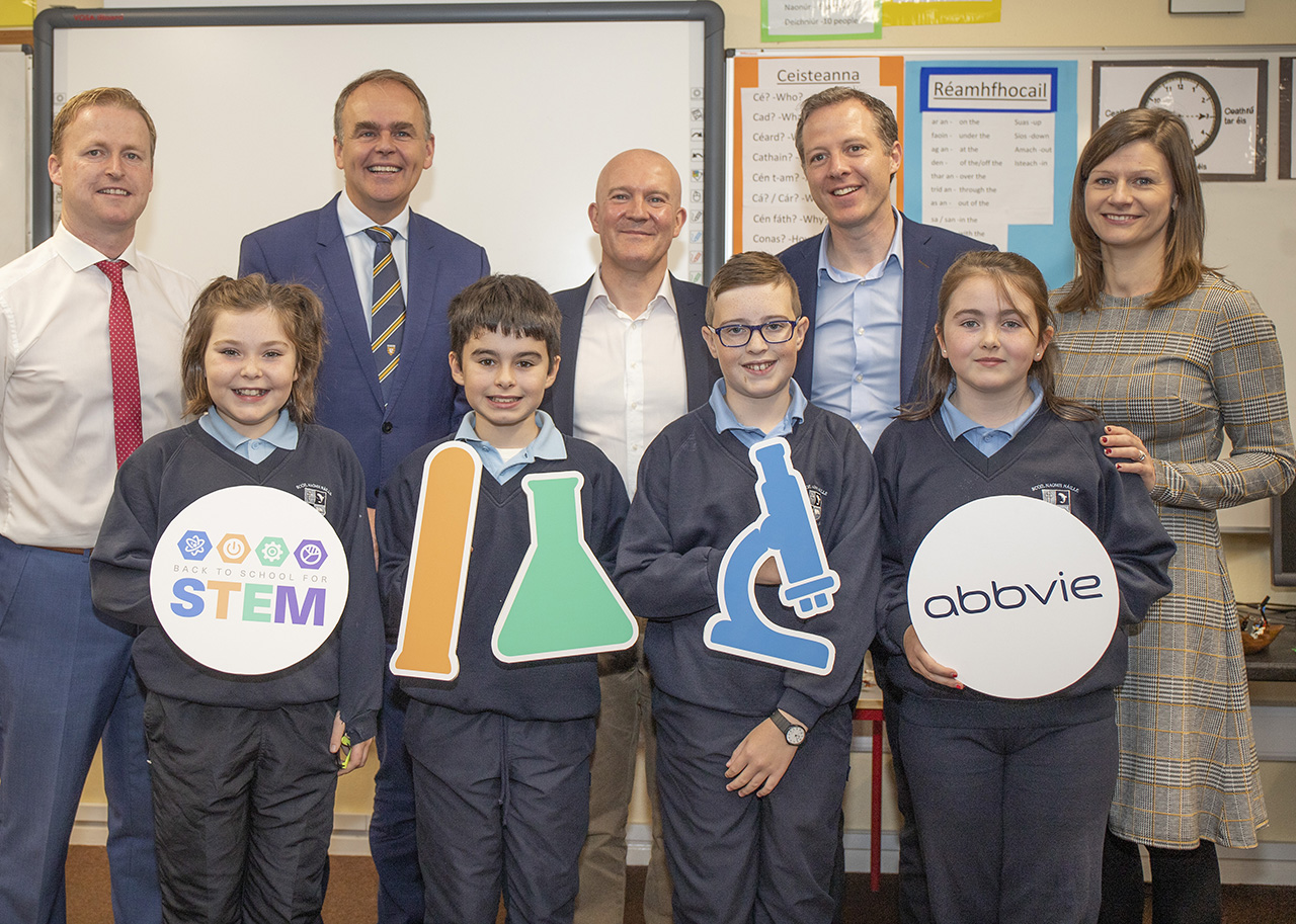 Minister for Education and Skills, Joe McHugh TD, with school principal Rory O'Donnell  and pupils with Robert Love, Columba McGarvey and Caroline McClafferty of the global biopharmaceutical company AbbVie at a special educational event at St Naul's National School in Inver, Donegal today.  (North West Newspix)