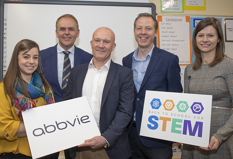 Minister for Education and Skills, Joe McHugh TD, tries out an experiment with school principal Rory O'Donnell and  Frances Doherty, Robert Love and Caroline  of the global biopharmaceutical company AbbVie at a special educational event at St Naul's National School in Inver, Donegal today.  (North West Newspix)